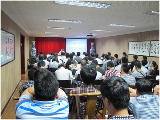 舞台机械班第一天课程由副主任俞健主讲